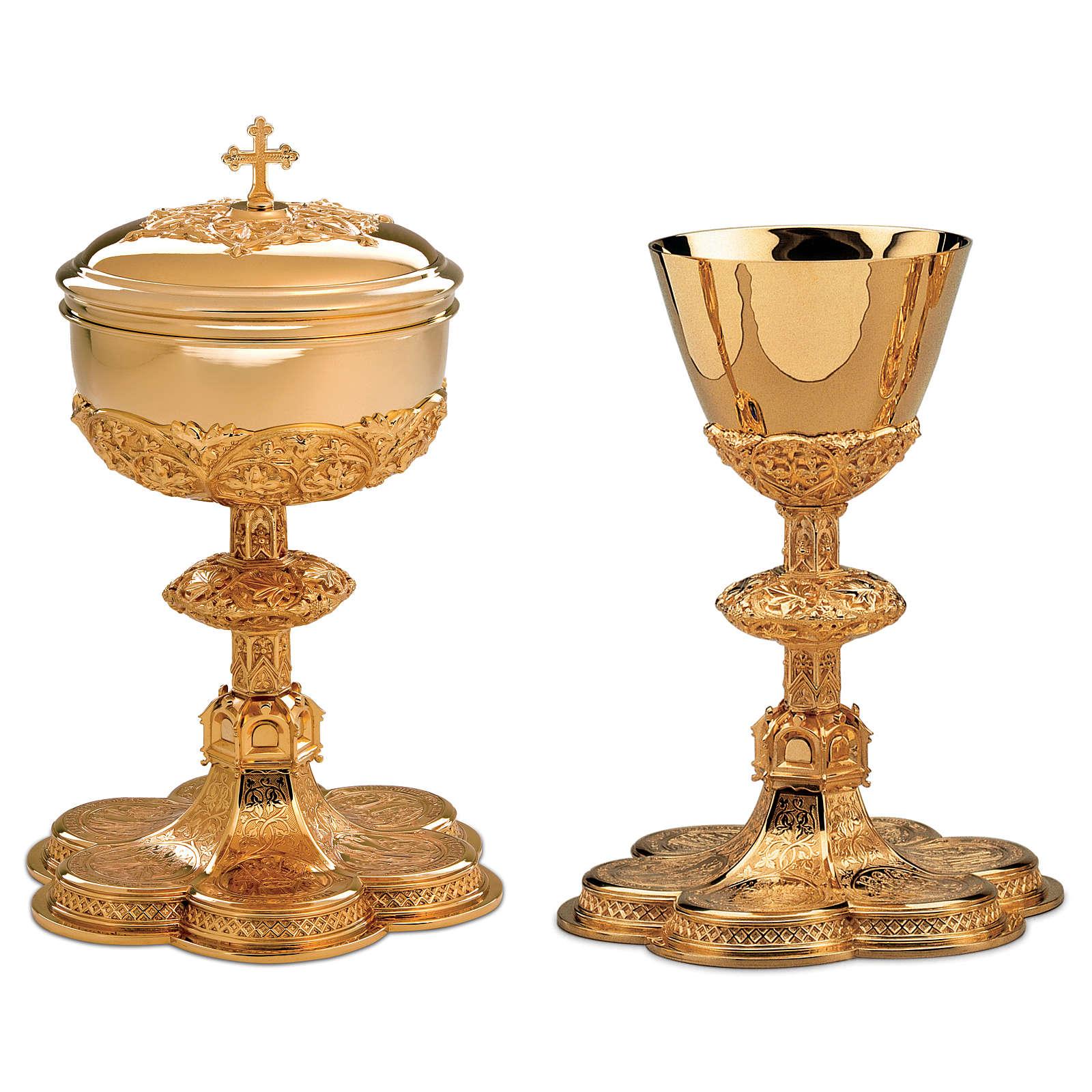 Calice Pisside Patena Molina base medaglioni stile gotico ottone dorato 4