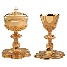 Calice Pisside Patena Molina base medaglioni stile gotico ottone dorato s1