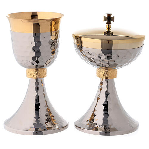 Hammered chalice and ciborium gold plated node with grapes and leaves 1