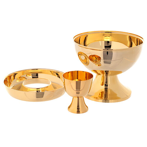Ciborium for hosts and wine in golden brass 2
