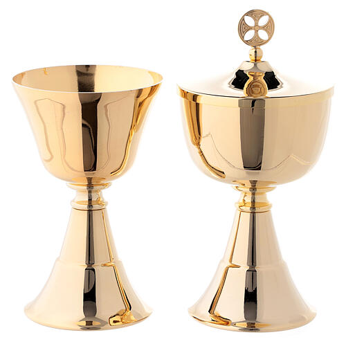 Simple chalice and ciborium for traveling 24-karat gold plated brass 1