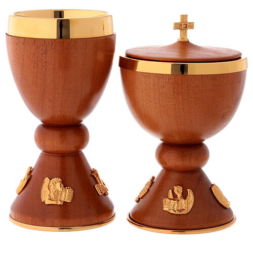 Chalice and ciborium in wood with inserts in fused golden brass 1