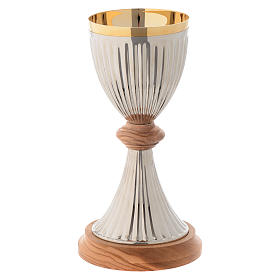 Olive wood Chalices Patens and Ciboria: Chalice in silver plated brass and Assisi olive wood