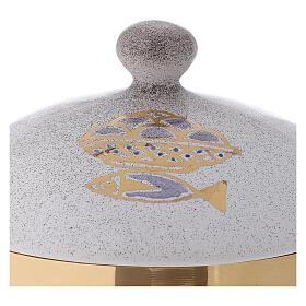 STOCK Copón cerámica blanca latón dorado motivo pan y peces diám 15 cm s3