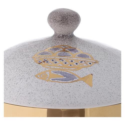STOCK Copón cerámica blanca latón dorado motivo pan y peces diám 15 cm 3