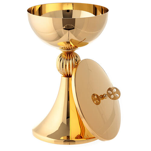 Chalice and ciborium with ribbed node in 24-karat gold plated brass 5