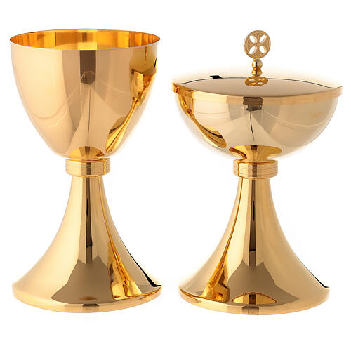 Gold plated chalice and ciborium with striped engraved node in brass 1