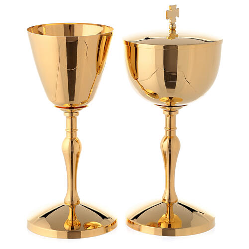 Chalice and ciborium in polished gold plated brass 1