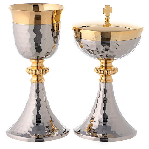 Bicolored hammered chalice and ciborium with node of beads 1