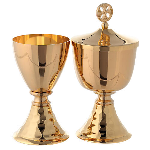 Small chalice and ciborium in brass with hammered base 1