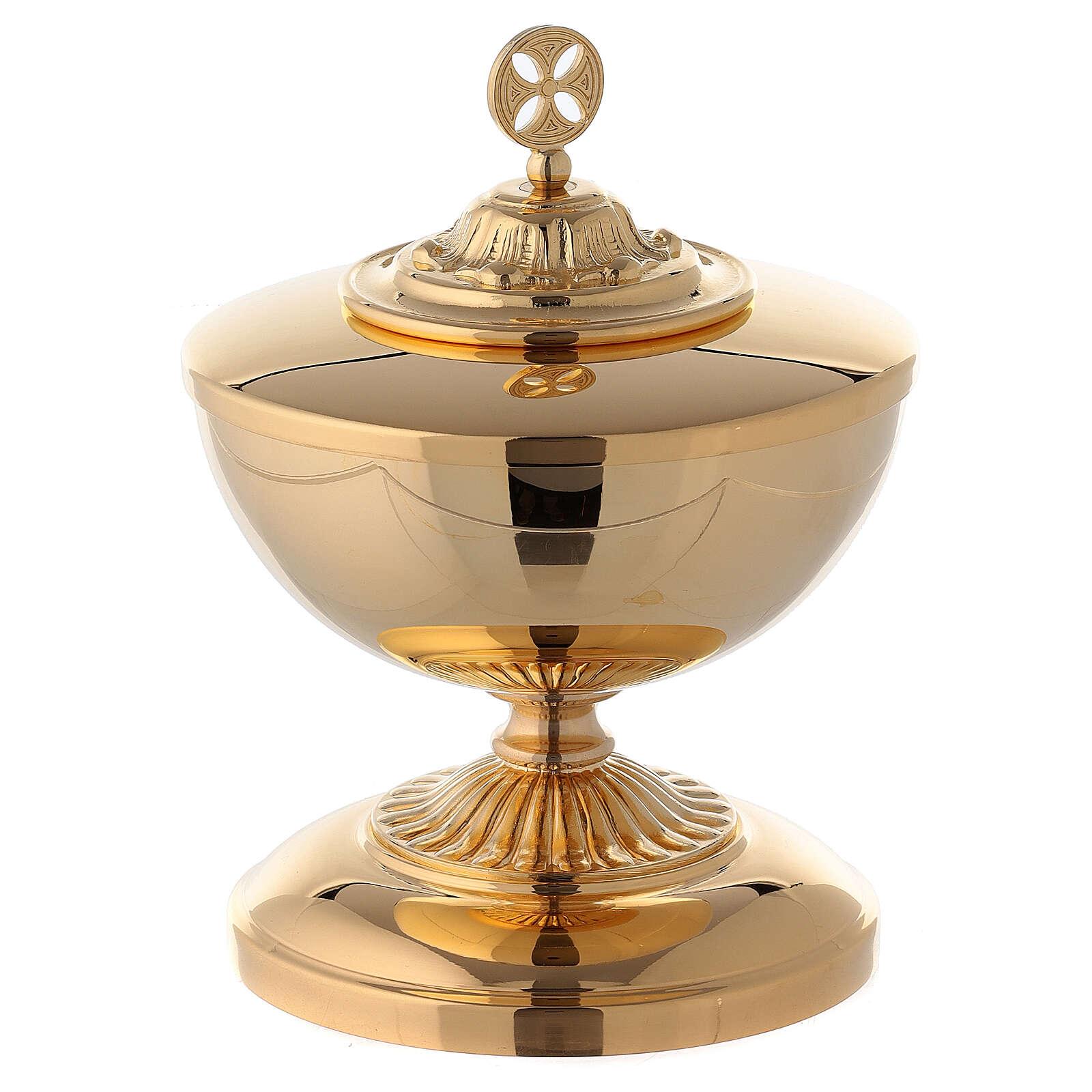 Copón bajo de latón dorado con base decorada 4