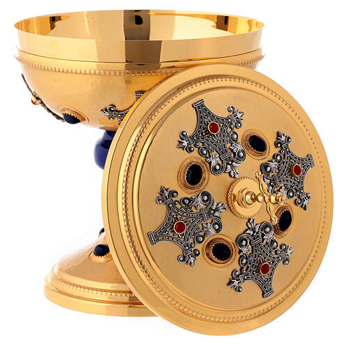 Ziborium aus vergoldetem Messing, Filigranverzierungen, blauer Nodus