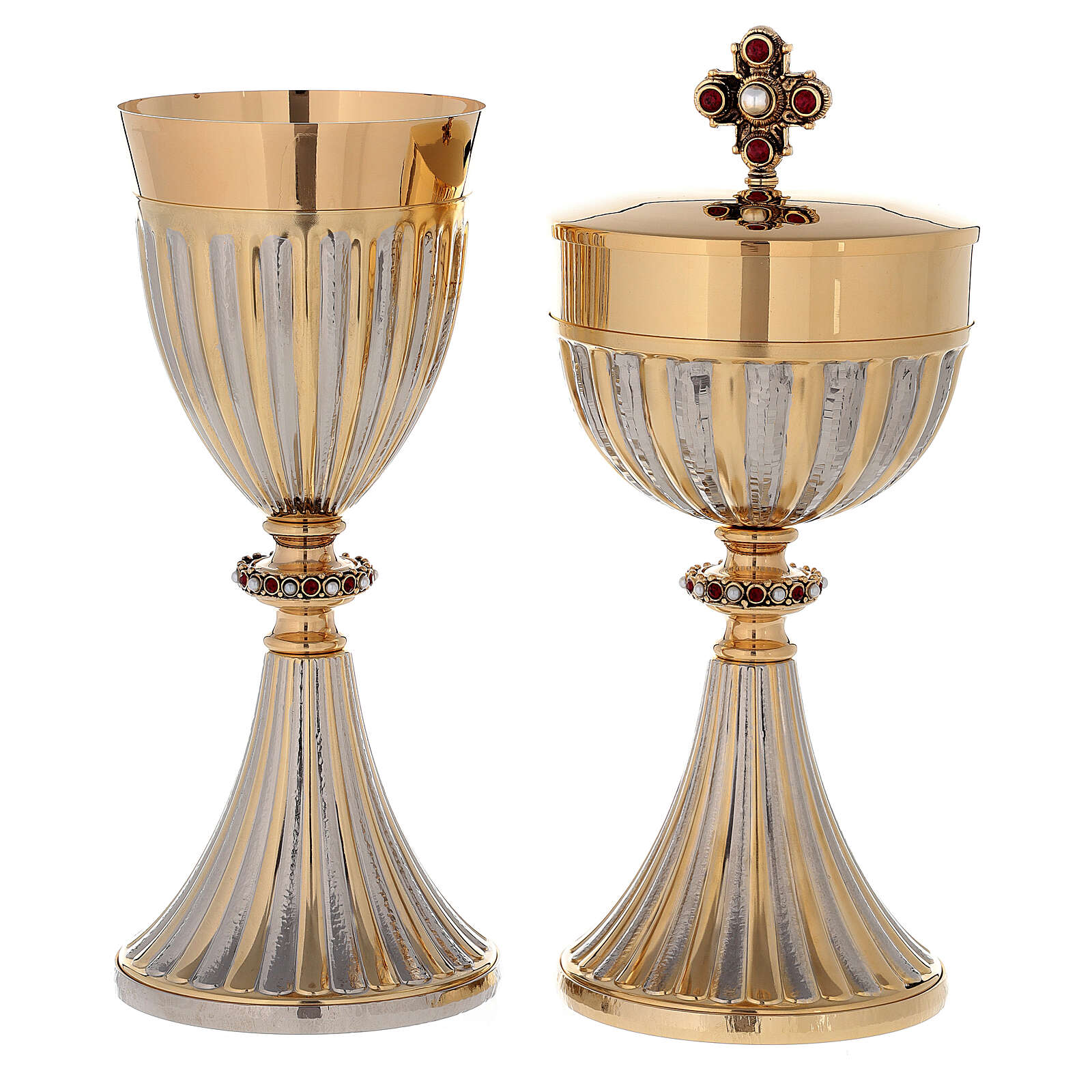 Bicolored chalice and ciborium with diamond finish and stones on node 4