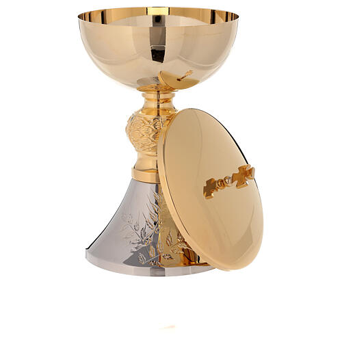 Bicolored chalice and ciborium with diamond finished base leaves pattern 6