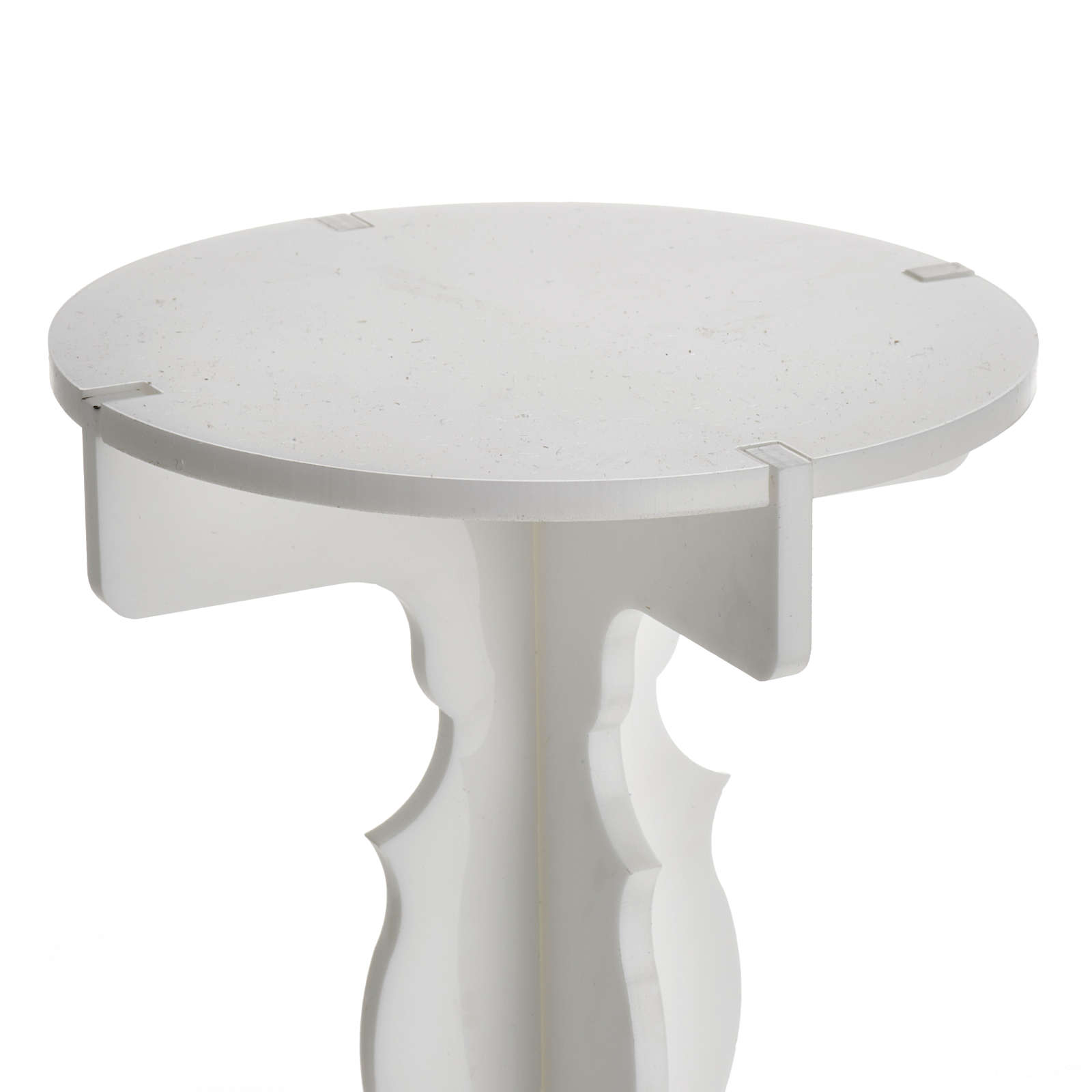 Candlestick in white plexiglass with 5 flames 4