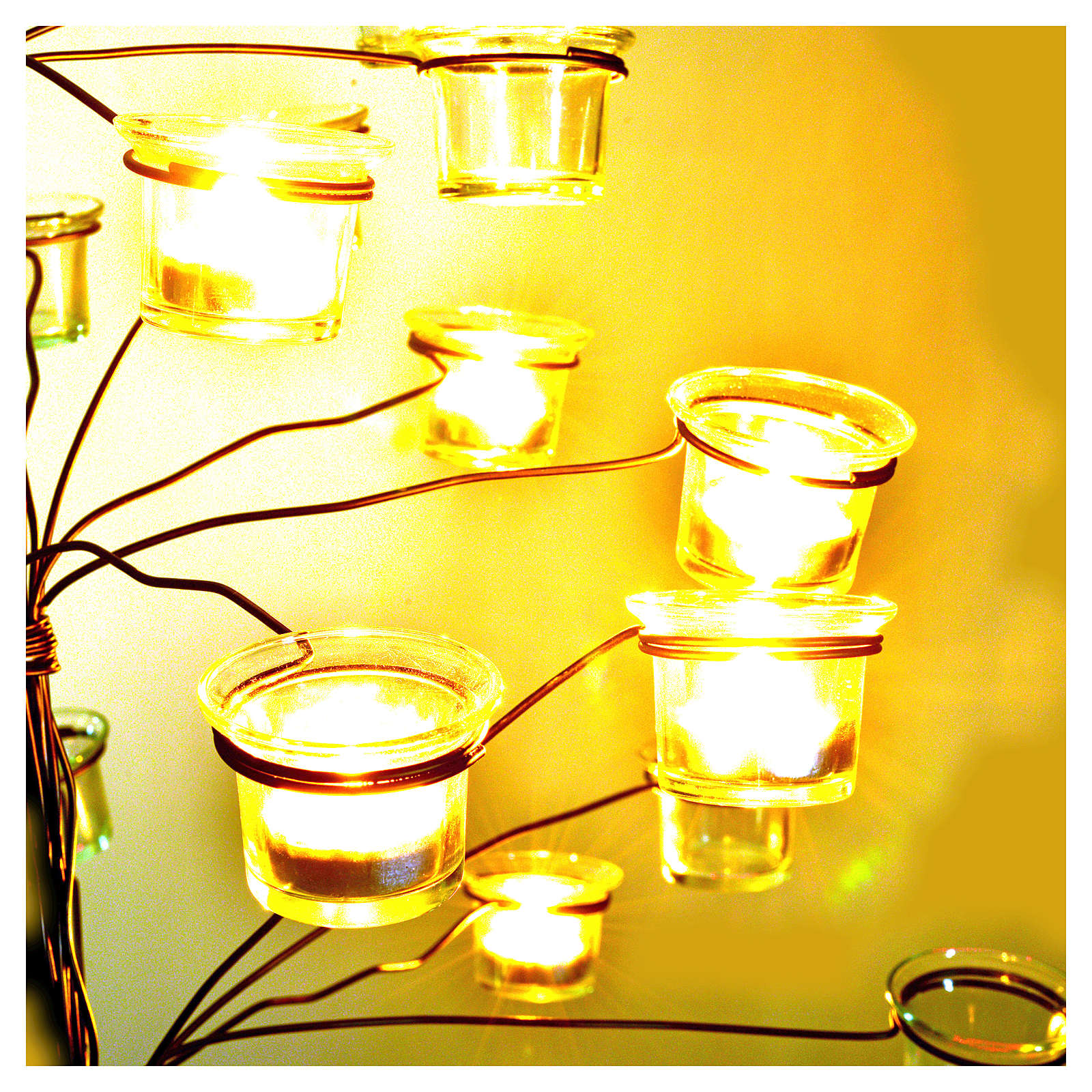 Tree tealight holder with transparent glasses 4