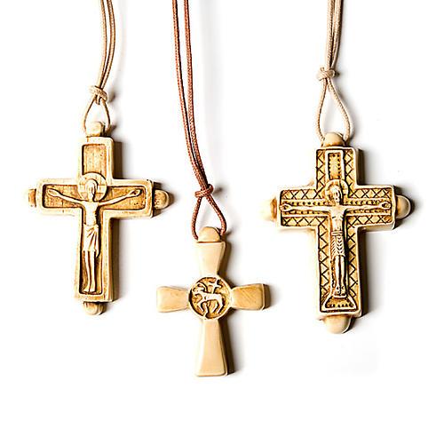 Croix pendentif,couleur ivoire 1