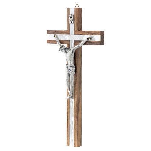 Crucifijo de madera y simil nácar 2