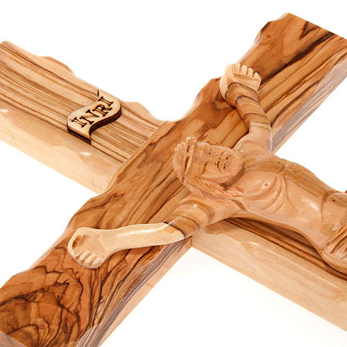 Cross in Holy Land olive wood with wavy edges 3