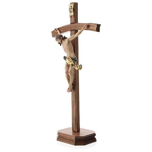 Crucifijo con base cruz curva madera Valgardena coloreada 3
