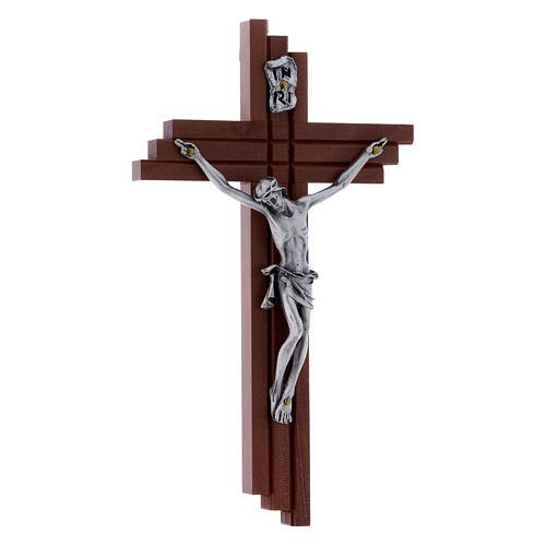 Crocifisso moderno in legno di pero 16 cm con corpo argentato 2