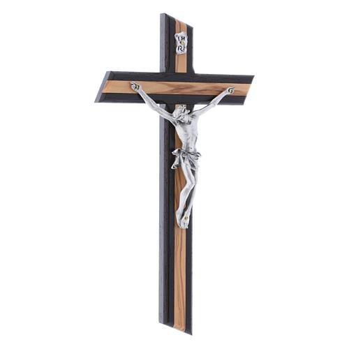 Crocifisso moderno in legno di olivo wengé con corpo argentato 25 cm 2