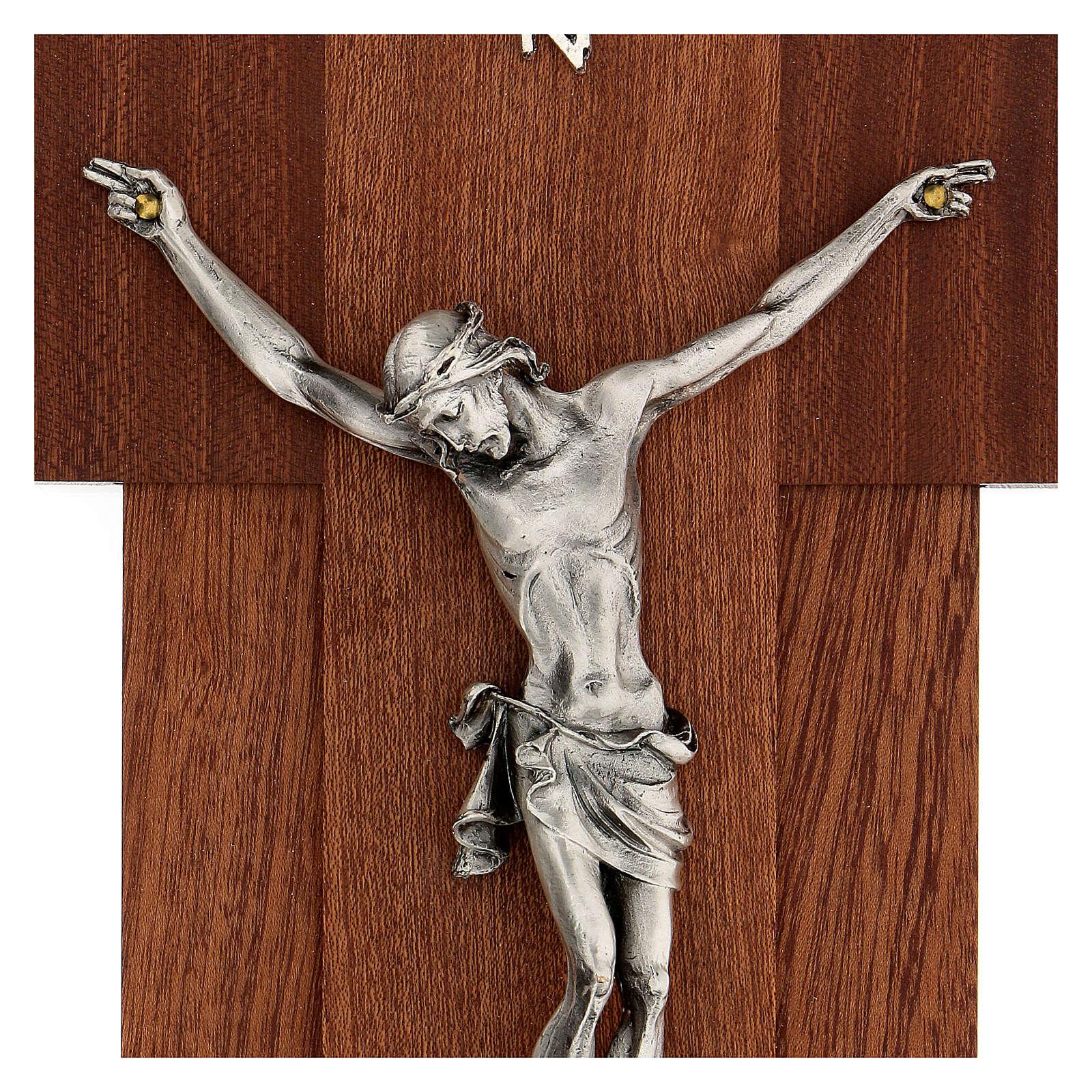 Crucifijo madera con cuerpo de metal plateado 4
