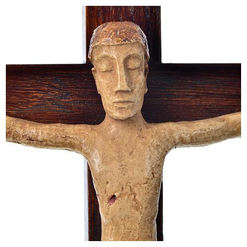 Crocifisso in pietra su legno h 34 cm Bethléem 5