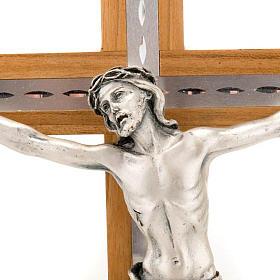Crocifisso legno noce e alluminio corpo metallo argentato s2