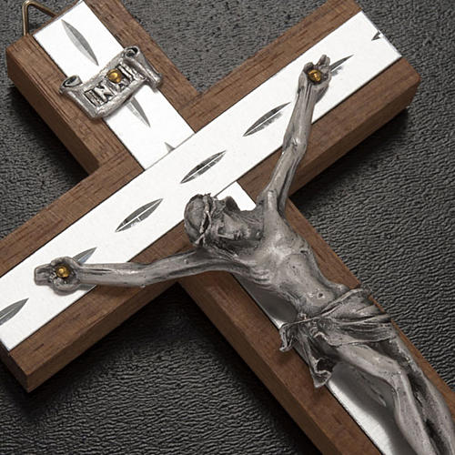 Crucifijo metal plateado, madera, aluminio 2
