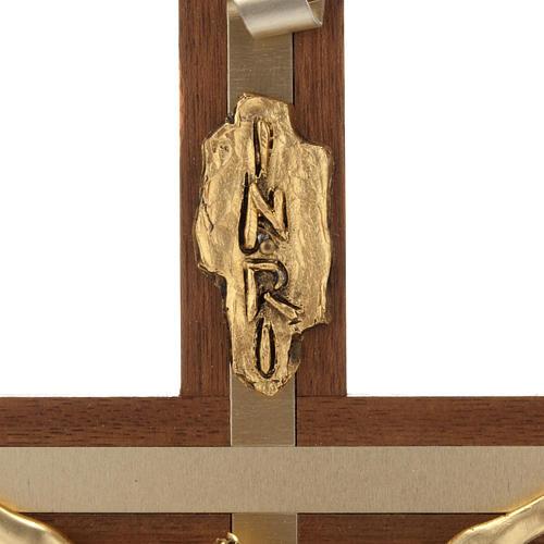 Crocifisso legno noce metallo dorato inserti alluminio 5