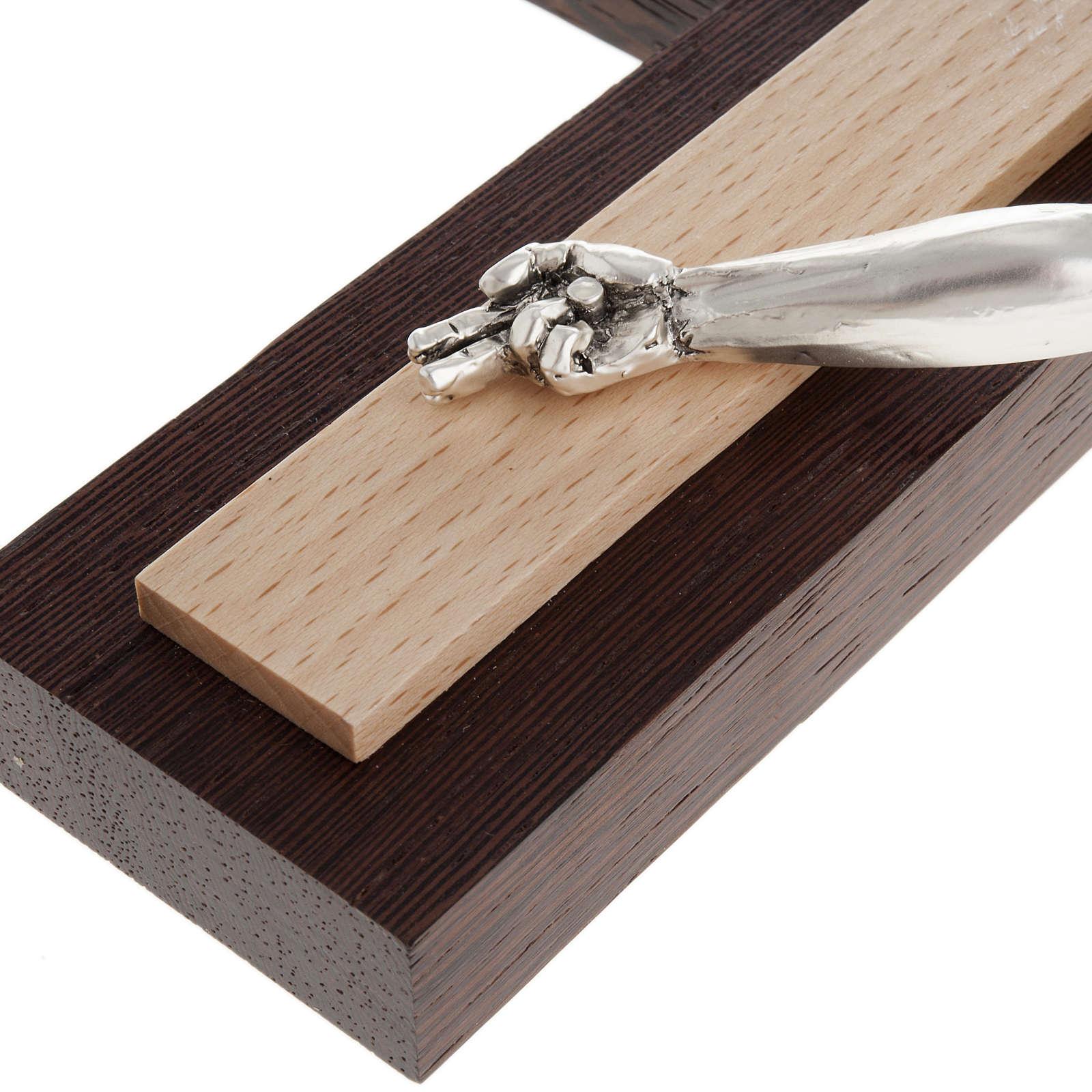 Crucifijo de madera wengè y fagus, cuerpo en metal 4