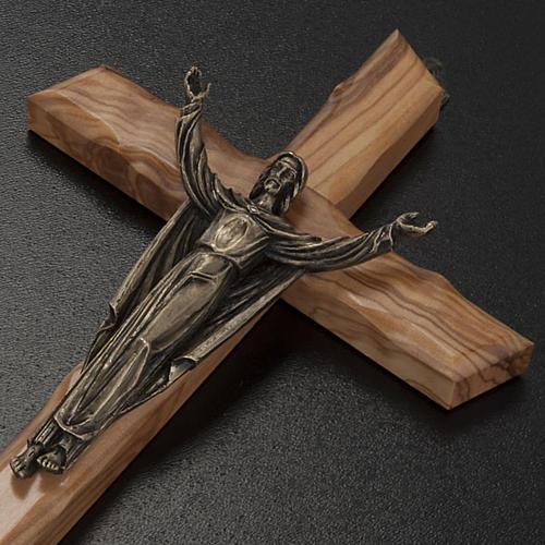 Cristo resucitado en bronce, cruz madera de olivo 3