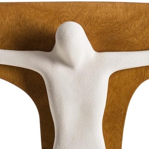 Crucifix stylisé argile blanche et croix bois 28 cm 3