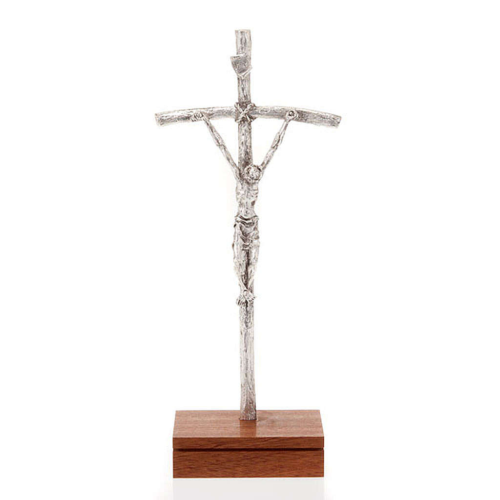 Crucifijo pastoral Juan Pablo II metal plateado con base 4