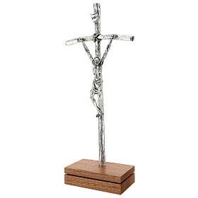 Crucifijo pastoral Juan Pablo II metal plateado con base s3