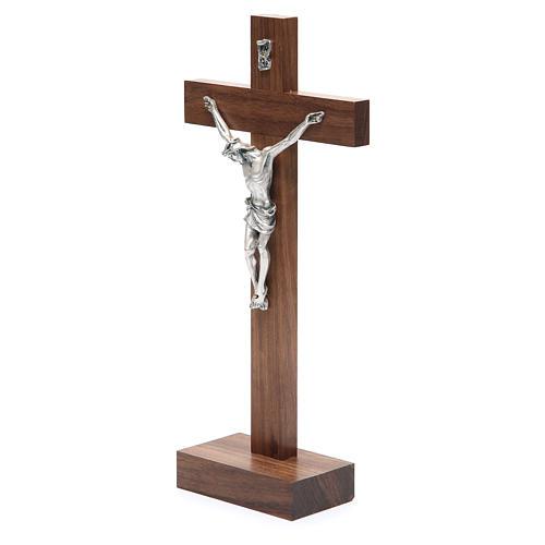 Crucifix de table en bois de noix avec base 2