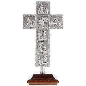 Crucifijos de metal: Cruz de mesa plateada vía Crucis