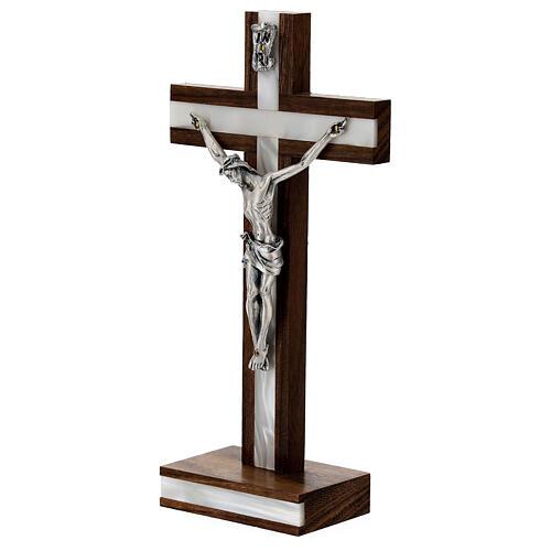 Crucifijo de mesa en madera de caoba 2