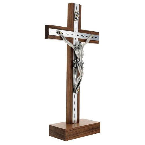 Crucifijo de mesa de madera, metal plateado y aluminio 3