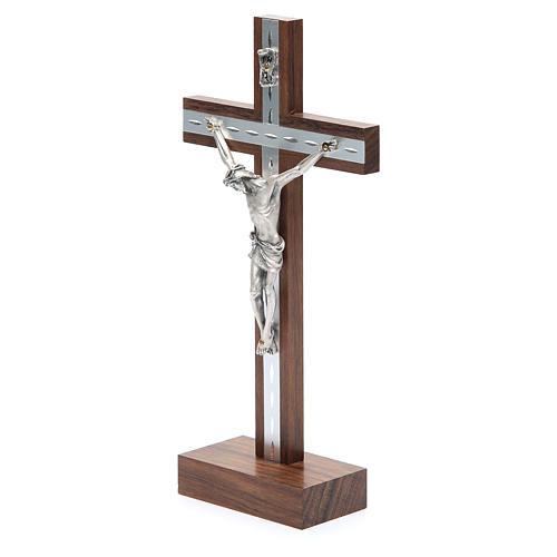 Crocifisso da tavolo in legno, metallo argentato e alluminio 2