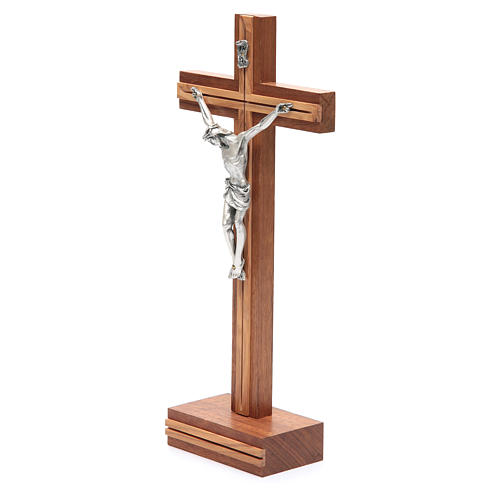 Crocifisso da tavolo legno noce inserto olivo 2