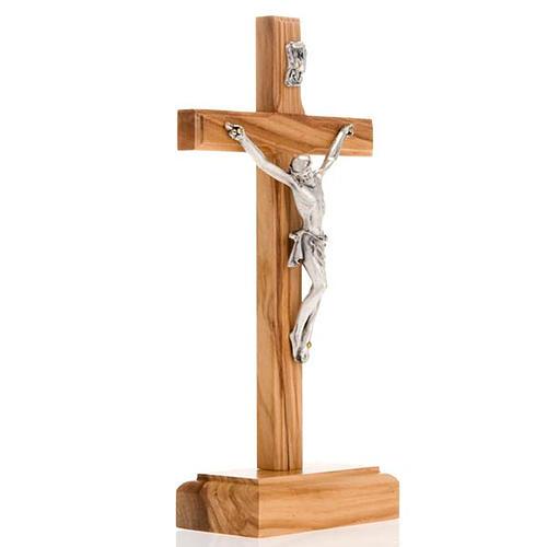 Crucifijo plateado de mesa madera olivo 2