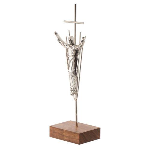 Cristo Resucitado plateado base madera nogal 2