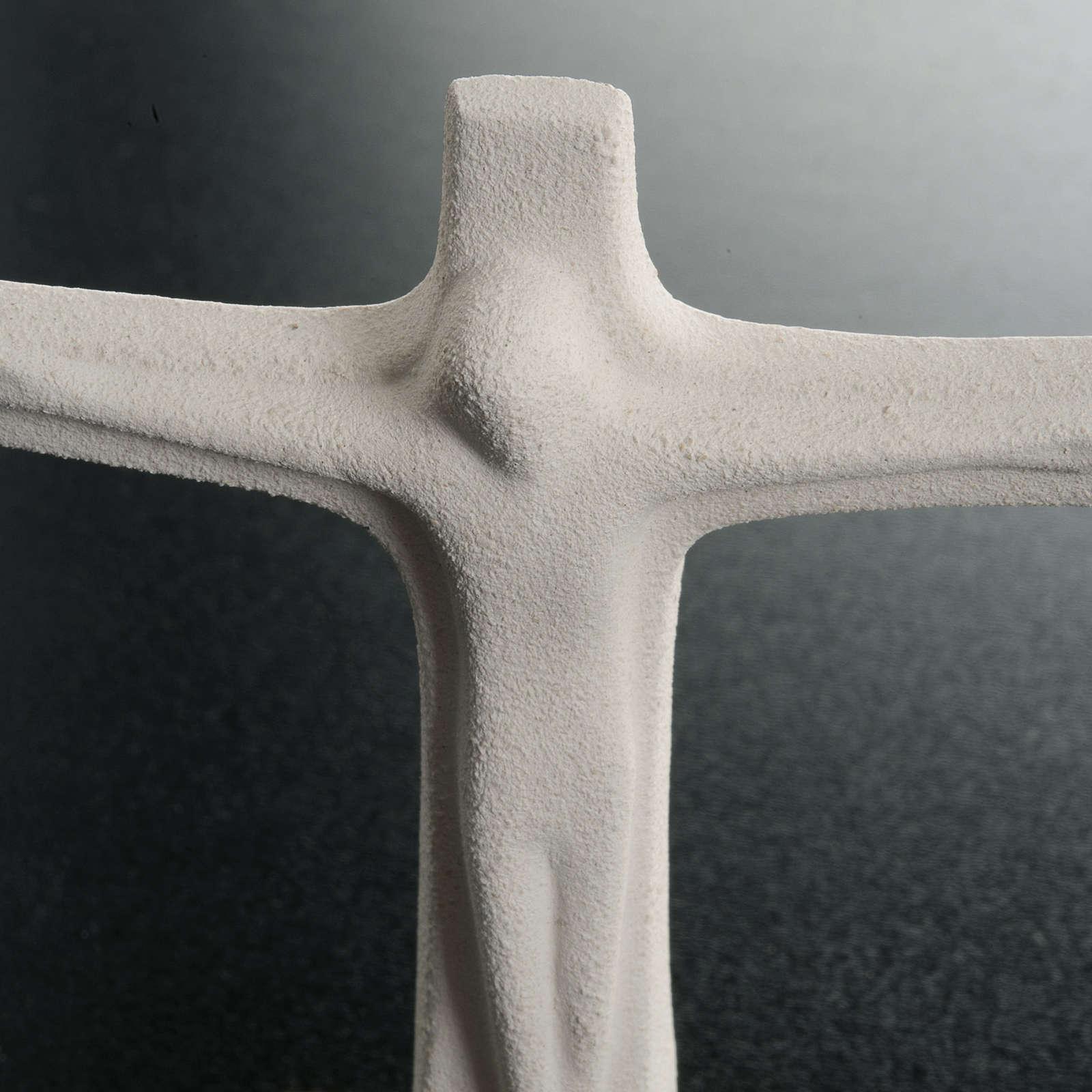 Krucyfiks stojący szamot biały 11cm 4