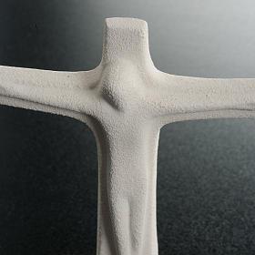 Krucyfiks stojący szamot biały 11cm s4