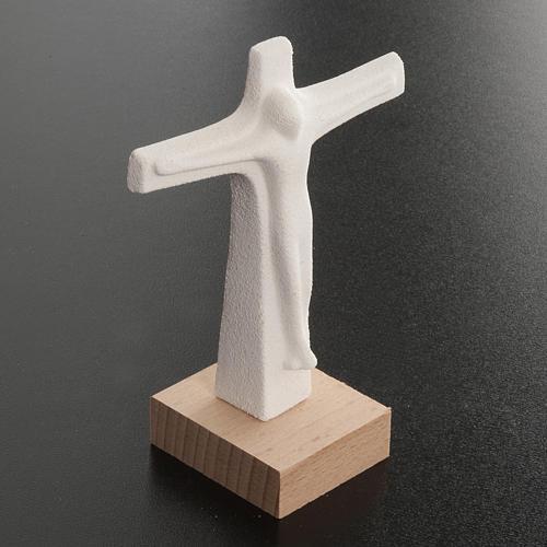 Krucyfiks stojący szamot biały 11cm 3