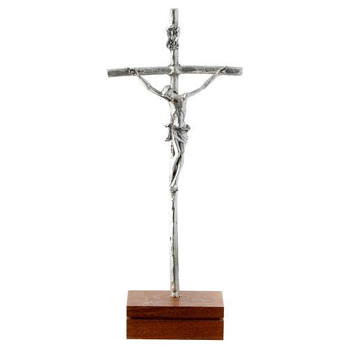 Crocifisso da tavolo metallo base legno 23,5 cm 1