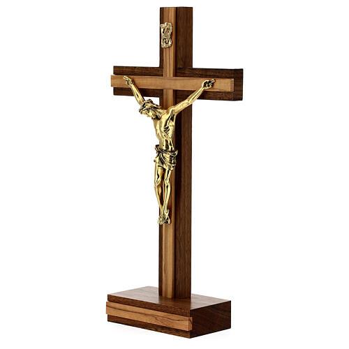 Crocefisso da tavolo legno noce inserto olivo corpo dorato 21 cm 3