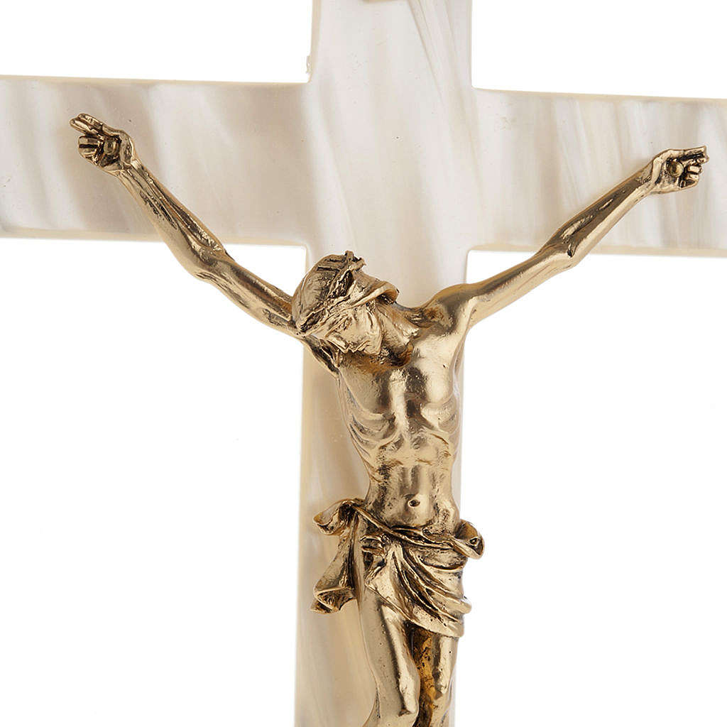 Crucifix in fake pearl, golden metal corpus 4